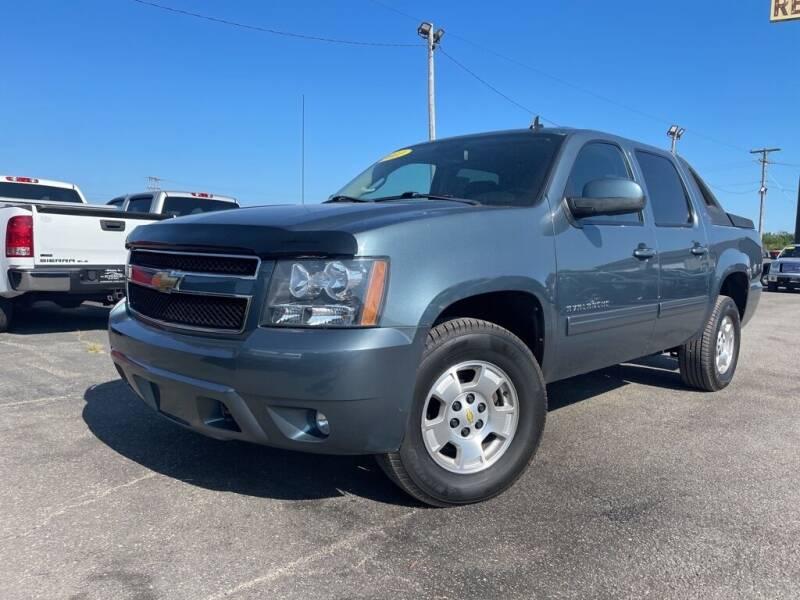 2011 Chevrolet Avalanche for sale in Chenoa, IL