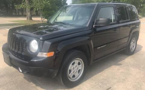 2014 Jeep Patriot for sale at Safe Trip Auto Sales in Dallas TX