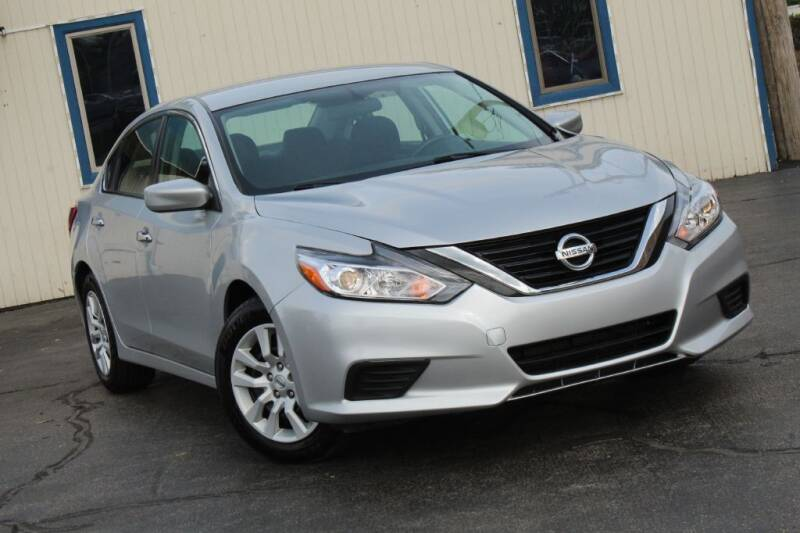2016 Nissan Altima for sale at Dynamics Auto Sale in Highland IN