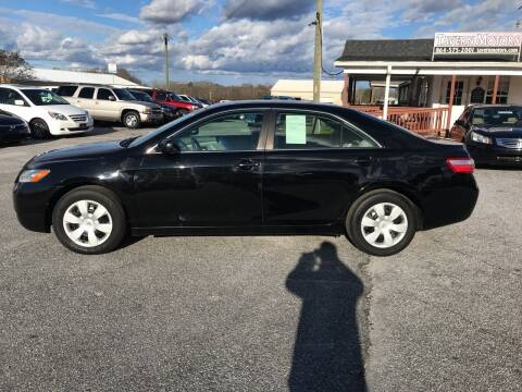 2007 Toyota Camry for sale at TAVERN MOTORS in Laurens SC