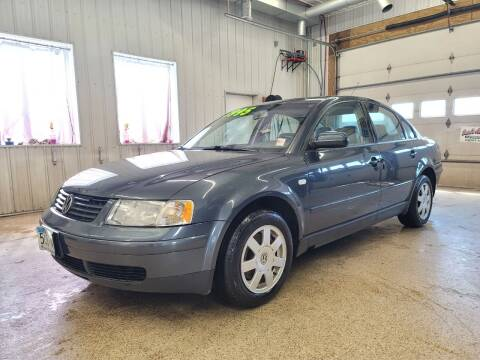 2001 Volkswagen Passat for sale at Sand's Auto Sales in Cambridge MN