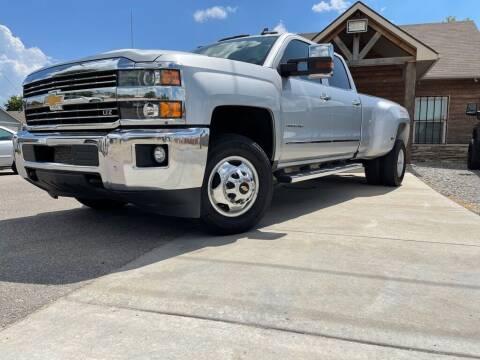 2017 Chevrolet Silverado 3500HD for sale at Farha Used Cars in Wichita KS