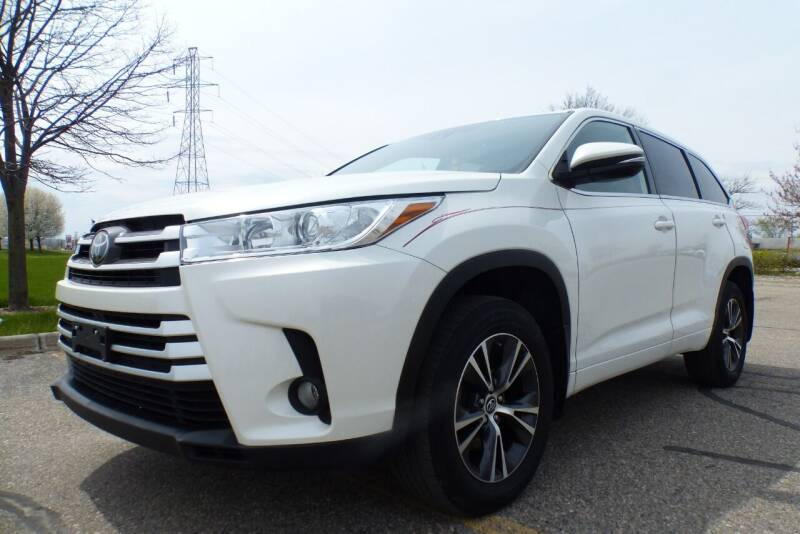 2018 Toyota Highlander for sale at Macomb Automotive Group in New Haven MI