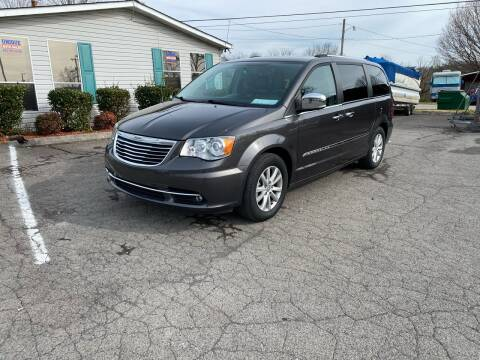2015 Chrysler Town and Country for sale at Unique Auto Sales in Knoxville TN