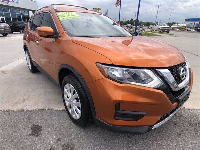 2017 Nissan Rogue for sale at Show Me Auto Mall in Harrisonville MO