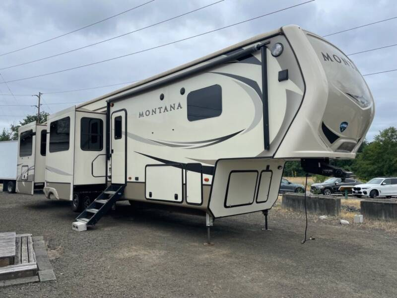 2018 Keystone Montana 3701LK for sale at Grandview Motors Inc. in Gig Harbor WA