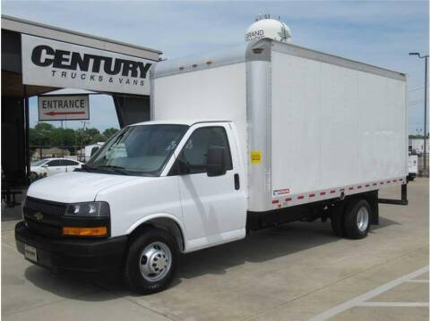 2019 Chevrolet Express Cutaway for sale at CENTURY TRUCKS & VANS in Grand Prairie TX