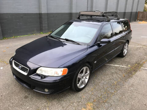 2006 Volvo V70 R for sale at APX Auto Brokers in Lynnwood WA