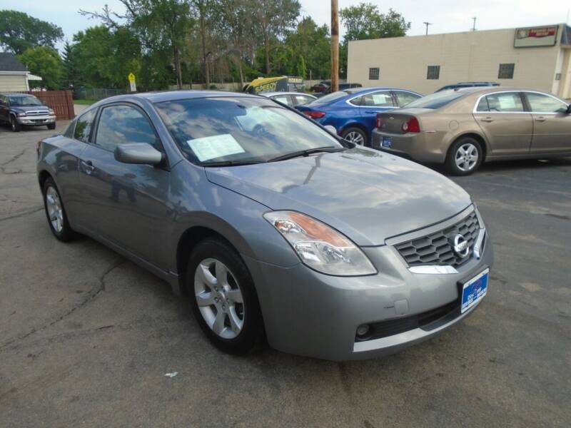 2008 Nissan Altima for sale at DISCOVER AUTO SALES in Racine WI