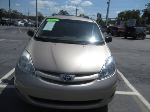 2008 Toyota Sienna for sale at Maluda Auto Sales in Valdosta GA