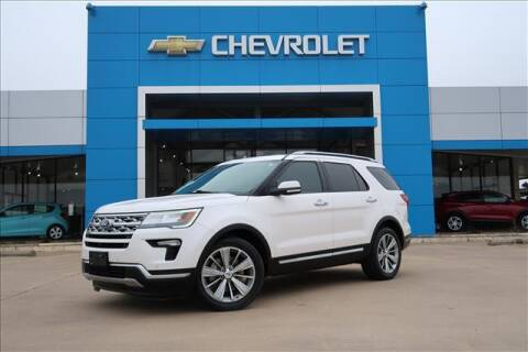 2018 Ford Explorer for sale at Lipscomb Auto Center in Bowie TX