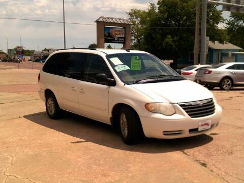 2005 Chrysler Town and Country for sale at Alpha Auto - Mitchell in Mitchel SD