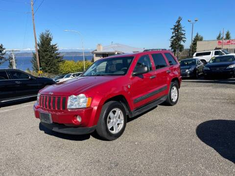 2005 Jeep Grand Cherokee for sale at KARMA AUTO SALES in Federal Way WA