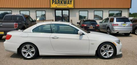 2011 BMW 3 Series for sale at Parkway Motors in Springfield IL