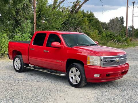 2007 Chevrolet Silverado 1500 for sale at Charlie's Used Cars in Thomasville NC