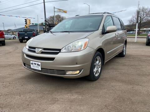 2004 Toyota Sienna for sale at Toy Box Auto Sales LLC in La Crosse WI