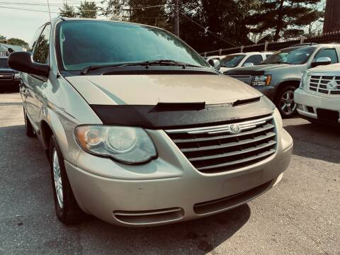 2006 Chrysler Town and Country for sale at 3 Brothers Auto Sales Inc in Detroit MI