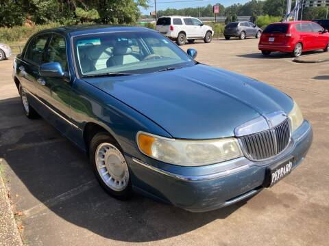 2002 Lincoln Town Car for sale at Peppard Autoplex in Nacogdoches TX