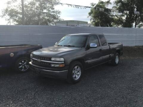 2002 Chevrolet Silverado 1500 for sale at Velascos Used Car Sales in Hermiston OR