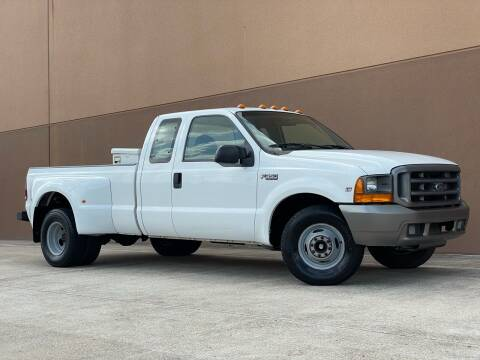 1999 Ford F-350 Super Duty for sale at TX Auto Group in Houston TX