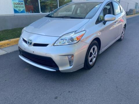 2014 Toyota Prius for sale at Super Bee Auto in Chantilly VA