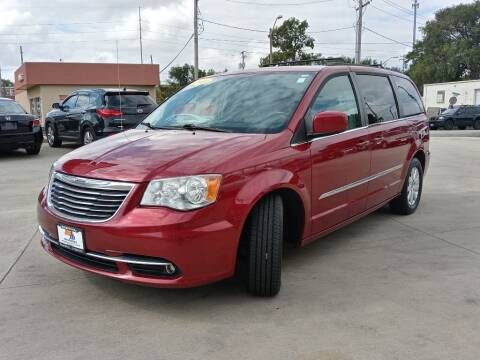 2014 Chrysler Town and Country for sale at EURO MOTORS AUTO DEALER INC in Champaign IL