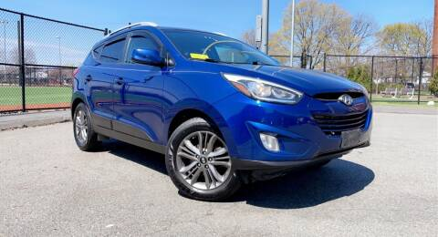 2015 Hyundai Tucson for sale at Maxima Auto Sales in Malden MA