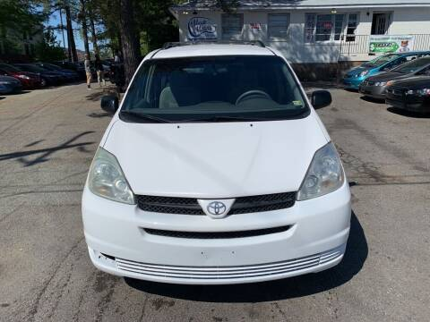 2004 Toyota Sienna for sale at MEEK MOTORS in North Chesterfield VA