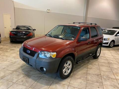 2007 Ford Escape for sale at Super Bee Auto in Chantilly VA