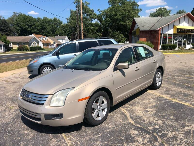 2007 Ford Fusion for sale at Bronco Auto in Kalamazoo MI