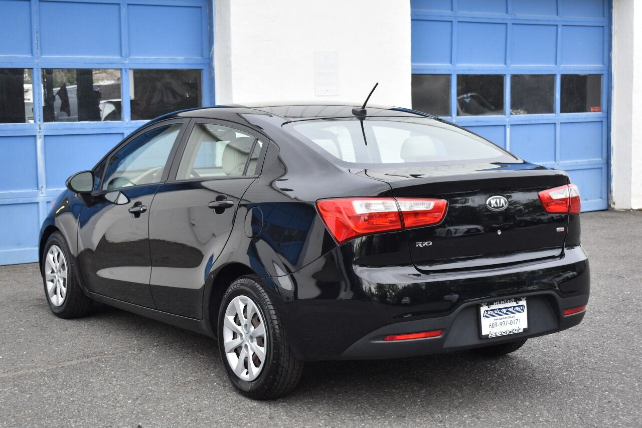 2013 Kia Rio LX 4dr Sedan 6A full