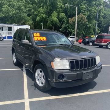 2005 Jeep Grand Cherokee for sale at Auto Bella Inc. in Clayton NC