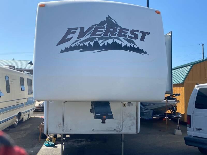 2004 Keystone Everest  for sale at Pro Motors in Roseburg OR
