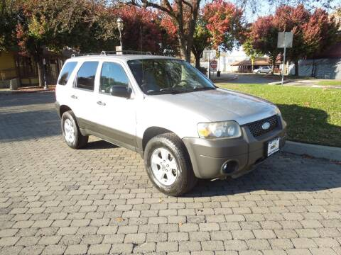 2005 Ford Escape for sale at Family Truck and Auto.com in Oakdale CA