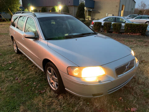 2007 Volvo V70 for sale at Essen Motor Company, Inc in Lebanon TN