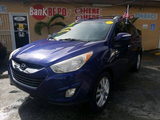2011 Hyundai Tucson for sale at VALDO AUTO SALES in Miami FL