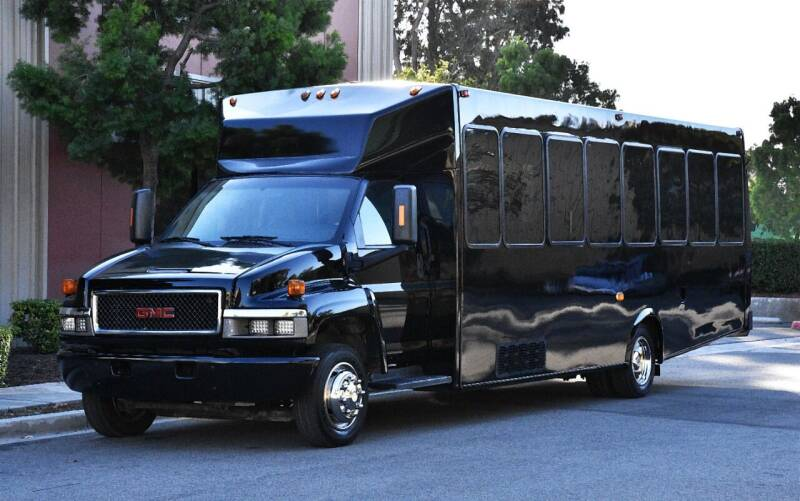2007 GMC C5500 for sale at ACH AutoHaus in Dallas TX