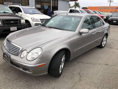 2006 Mercedes-Benz E-Class for sale at Donada  Group Inc in Arleta CA