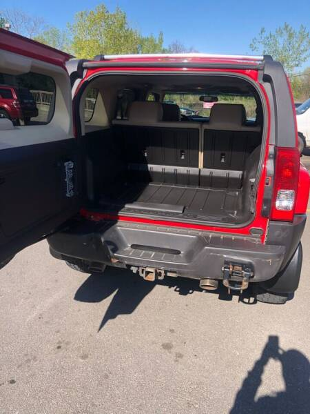 2006 HUMMER H3 for sale at Mike's Auto Sales in Rochester NY
