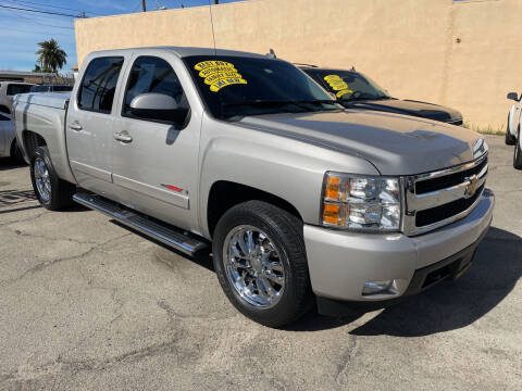 2007 Chevrolet Silverado 1500 for sale at JR'S AUTO SALES in Pacoima CA
