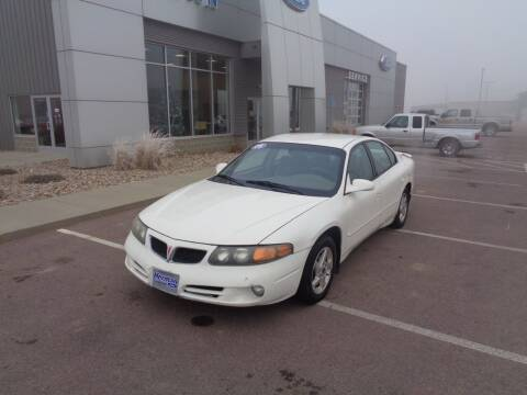 2005 Pontiac Bonneville for sale at Herman Motors in Luverne MN