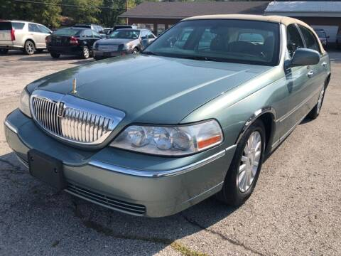2005 Lincoln Town Car for sale at Auto Target in O'Fallon MO