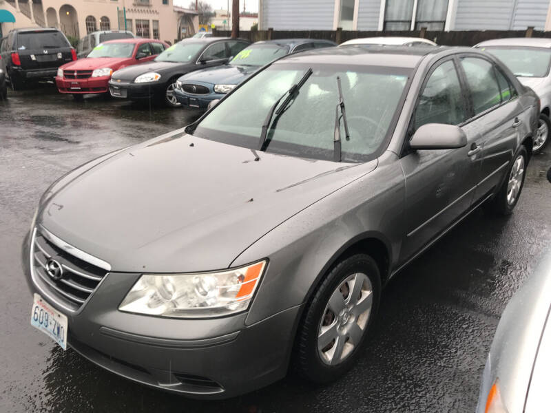 2009 Hyundai Sonata for sale at American Dream Motors in Everett WA