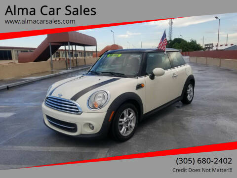 2011 MINI Cooper for sale at Alma Car Sales in Miami FL