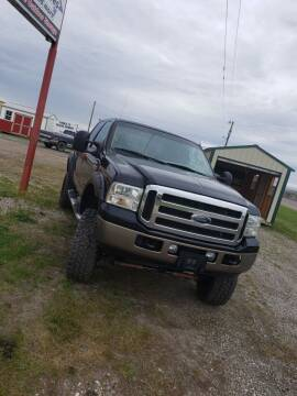 2005 Ford F-250 Super Duty for sale at P & T SALES in Clear Lake IA