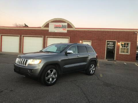 2013 Jeep Grand Cherokee for sale at Family Auto Finance OKC LLC in Oklahoma City OK