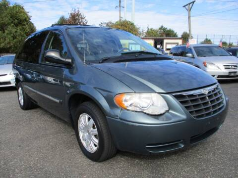 2007 Chrysler Town and Country for sale at Unlimited Auto Sales Inc. in Mount Sinai NY
