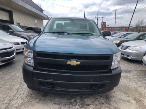 2007 Chevrolet Silverado 1500 for sale at Six Brothers Auto Sales in Youngstown OH
