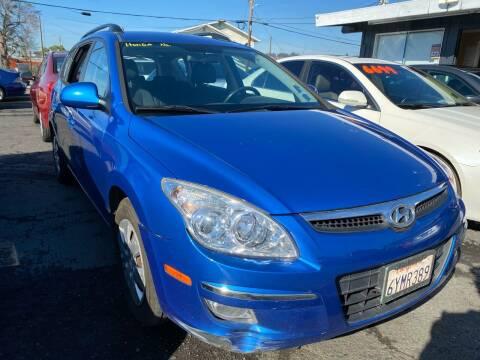 2010 Hyundai Elantra Touring for sale at ZaZa Motors in San Leandro CA