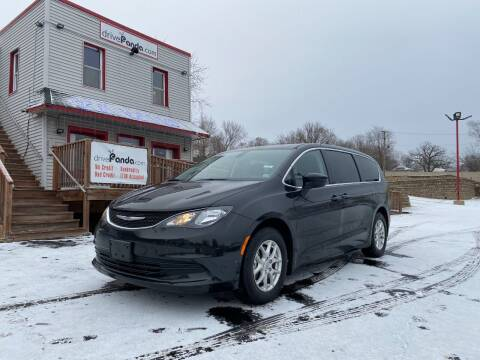 2018 Chrysler Pacifica for sale at DrivePanda.com Joliet in Joliet IL